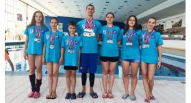 Uszonyos úszóink sikereiről